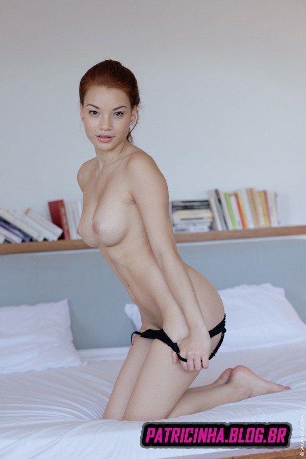 Fotos de asiática ruiva novinha pelada gostosa
