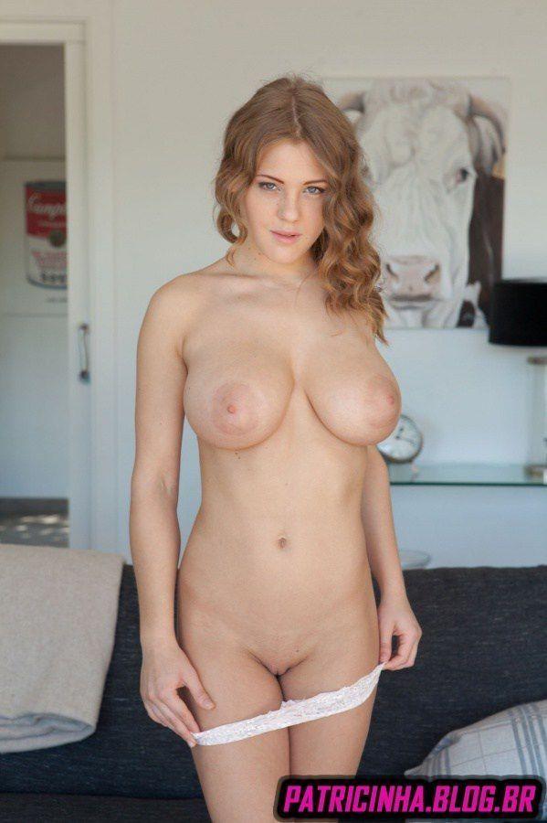 Fotos de novinha loira peituda pelada muito gostosa