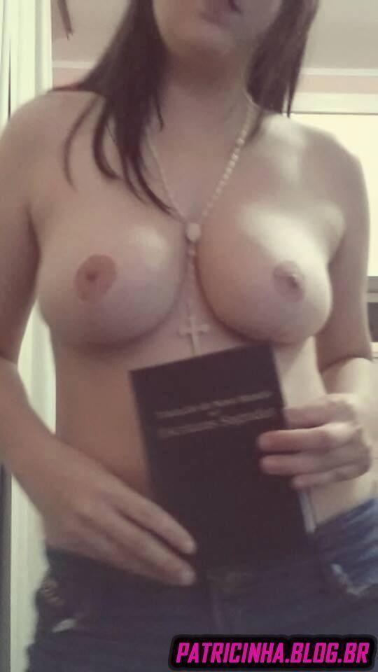 Caiu no snapchat crente safada puta mandando nudes