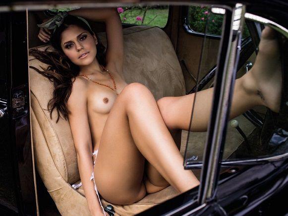 Jéssica Alves novinha pelada nua na Playboy