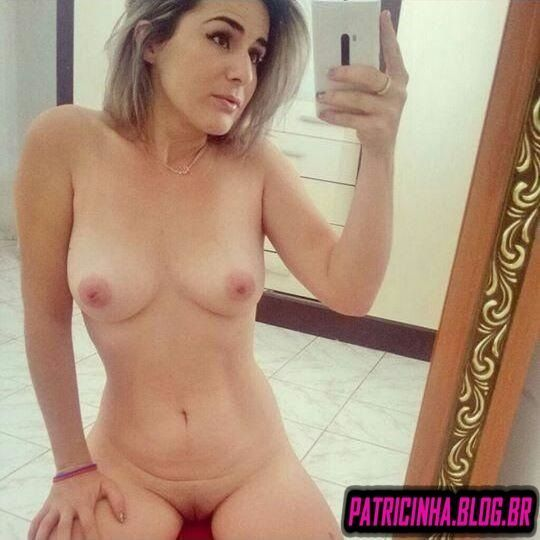 Fotos caseiras nudes de Giovanna coroa loira gostosa