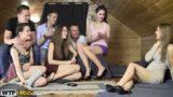 Sexo grupal com patricinhas safadas fazendo porno online